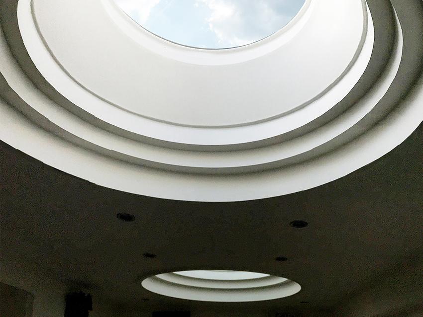 Avec des lanterneaux de toiture en verre ronds : restez connectés avec le ciel !