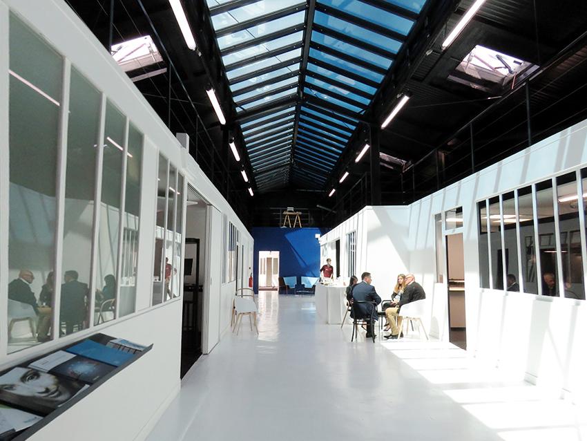 Le hall appelé La Bérangerie situé Pantin en Seine-Saint-Denis était inauguré en juin 2017. Verrières électrochrome SageGlass, lanterneaux Pearl Inside et désenfumage Luxlame : des produits de prestige pour un endroit qui l'est tout autant.