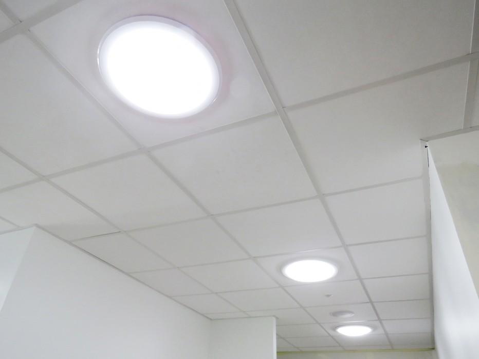 Puits de lumière naturelle ou conduit de lumière naturelle Lightube