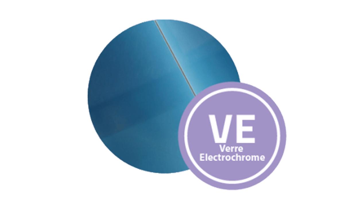 Bluetek propose des solutions de lanterneaux et DENFC avec remplissage verre électrochrome