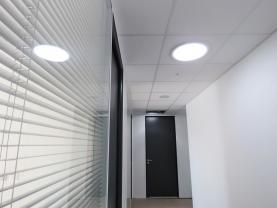 Nutergia : en place 25 conduits de lumière Lightube 47 lanterneaux Bluesteel RPT