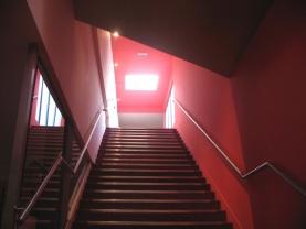 Le lanterneau de désenfumage de la cage d'escalier des Cinémas Forum