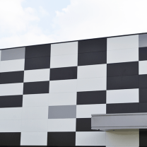 Parement métallique et coloré en façade pour CSO (dépt 37)